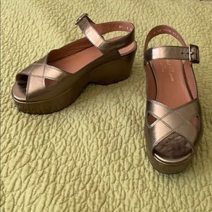 Robert Clergerie metalic gold platform heels, 8.5
